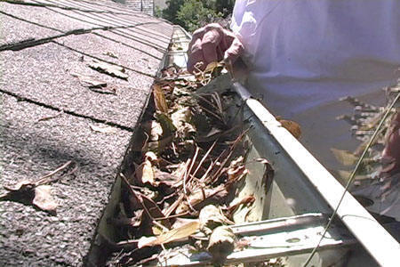 Sacramento Gutter Cleaning Pros 916-753-7491